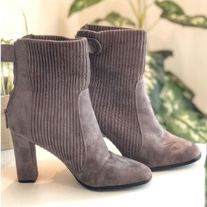 Shoes - Tan Heeled Boots